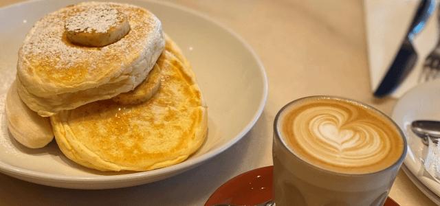 パンケーキとカフェオレ