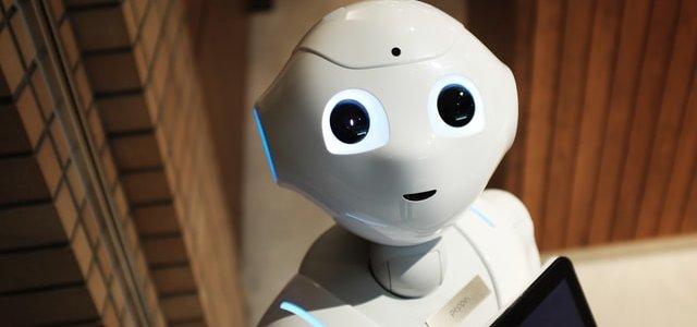 LINEのチャットボット開発ベンダーの料金やサービスを比較、おすすめのツールとは?