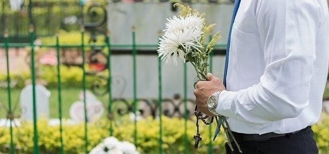 いい葬儀への広告掲載・提携!媒体の特徴や手数料・費用をリサーチ