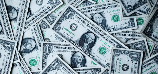 高所得者世帯の富裕層は年々増加!お金持ち向けの広告媒体は?