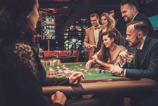 富裕層・高所得者に特化したターゲティング施策の広告やユーザーを知る