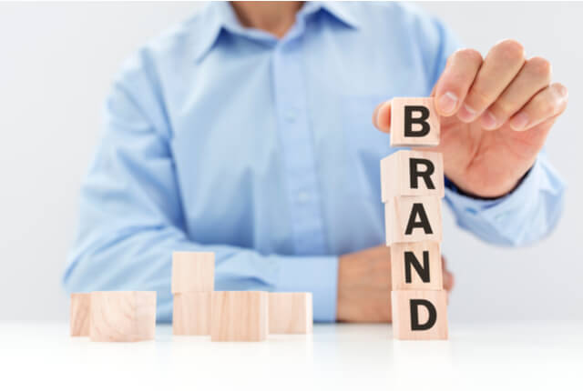 サービスブランディングとはなにか?商品ブランディングとの違いを解説