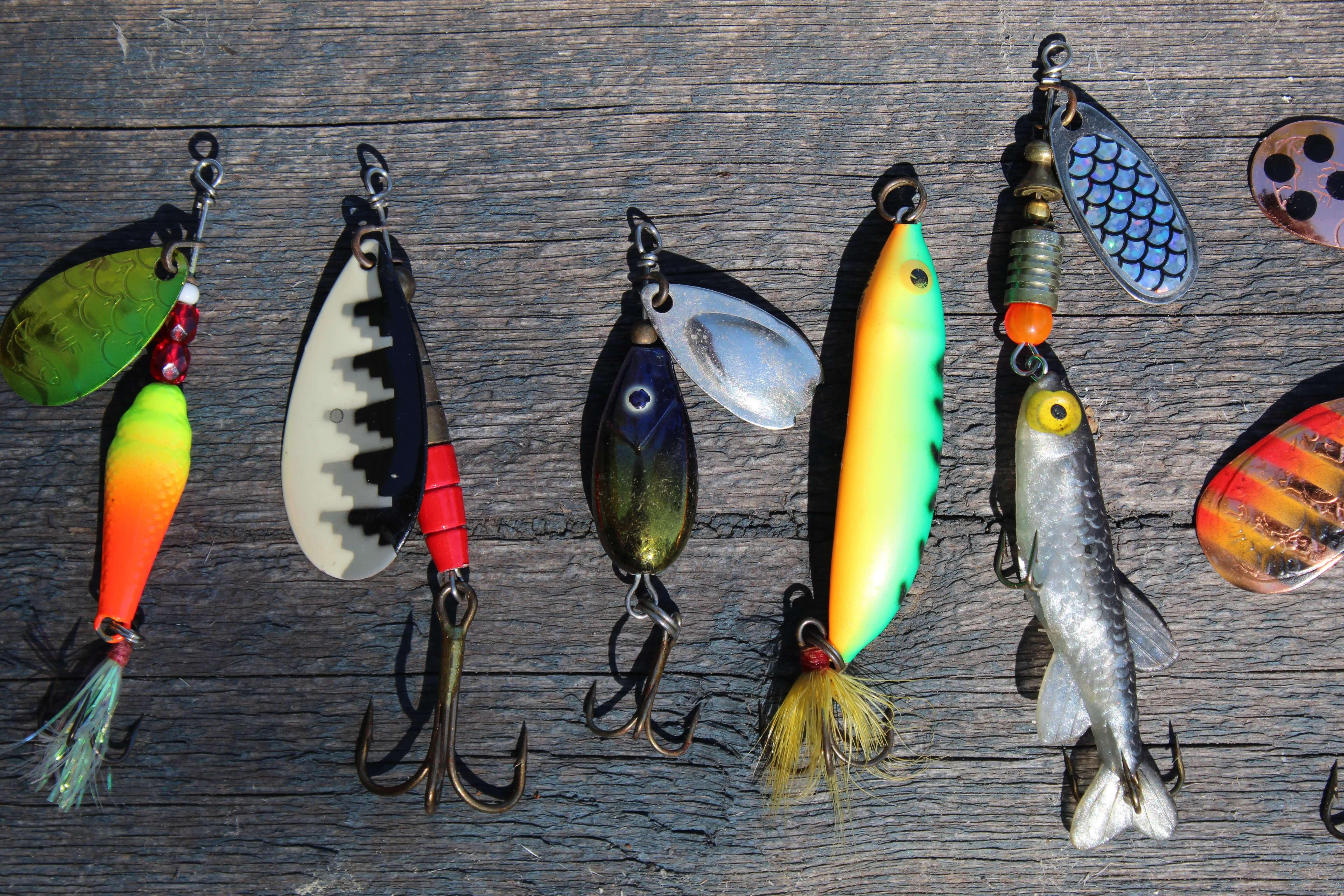 さまざまな釣り針